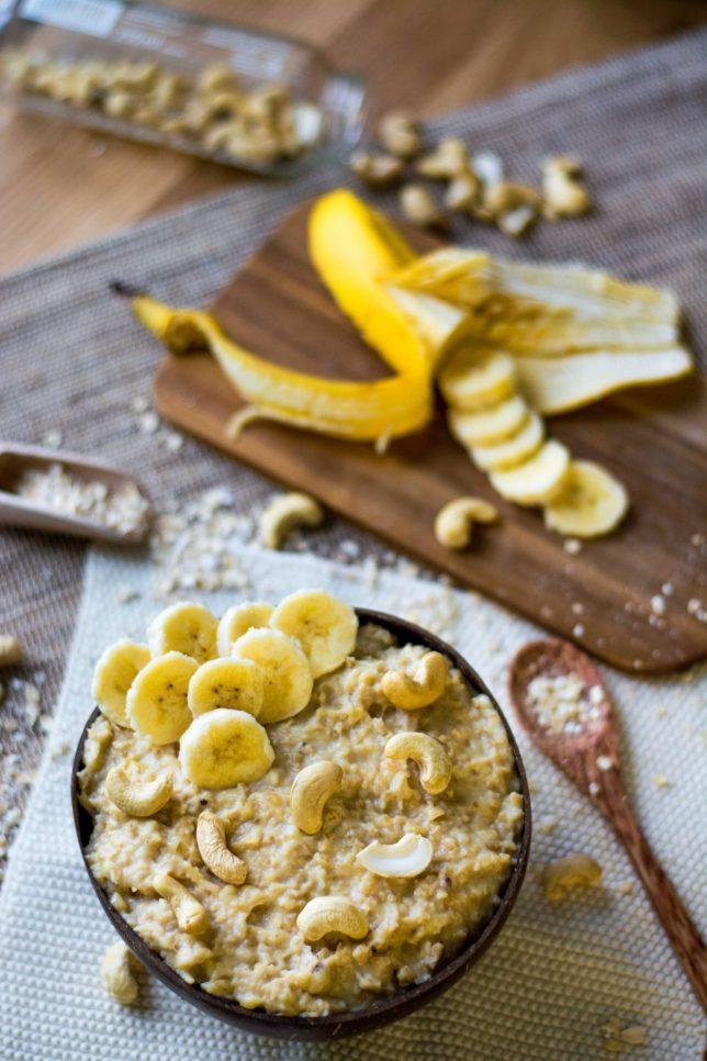 Porridge Banane Cashewmus Frühstück gesund vegan