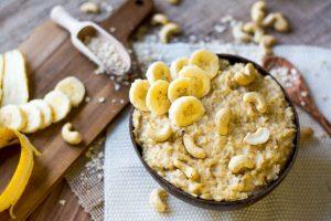 Porridge Banane Cashewmus gesund Frühstück
