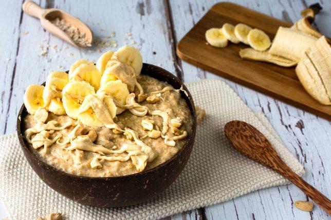Porridge mit Banane und Cashewmus