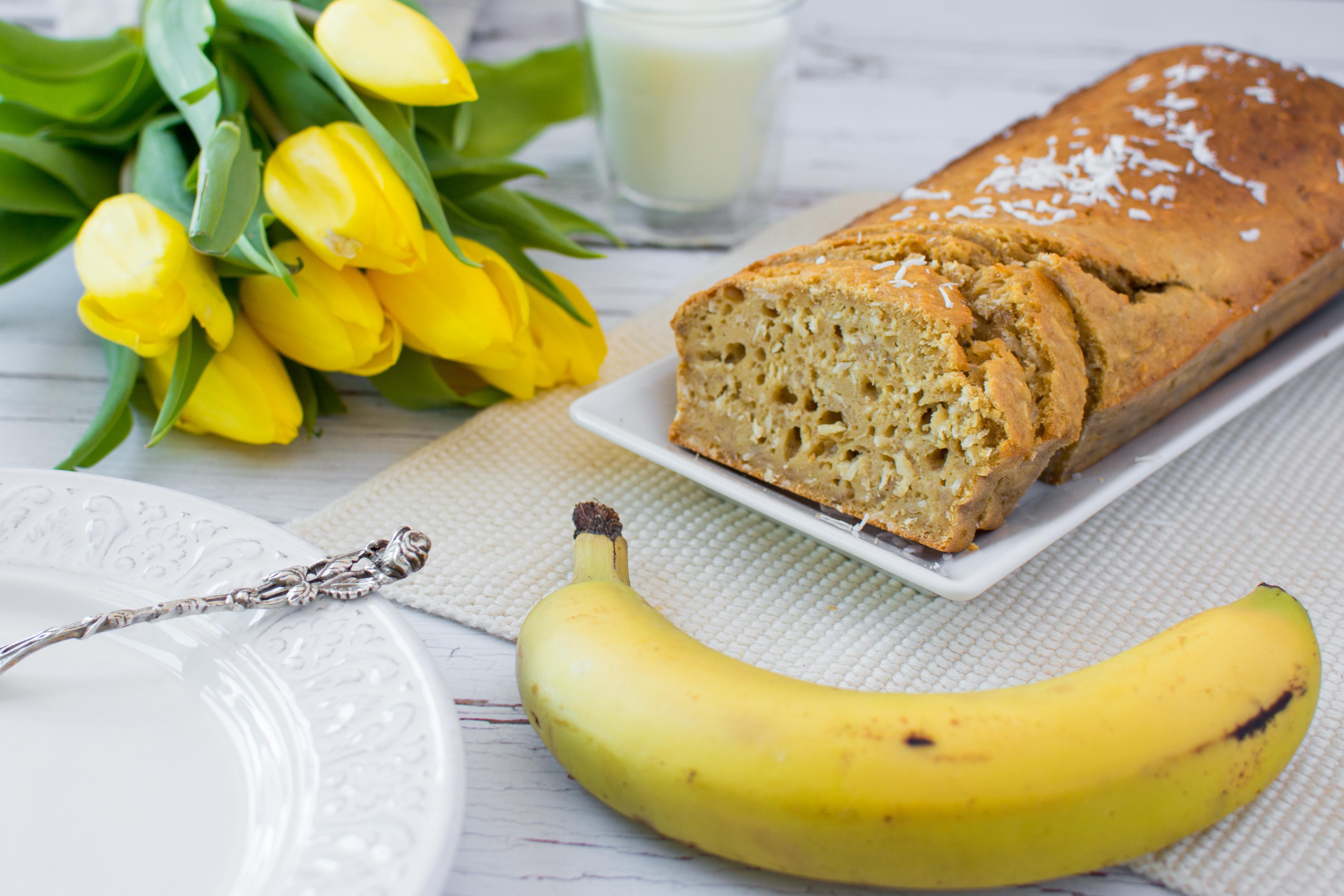 Bananen-Kokos-Kuchen mit Buttermilch