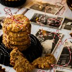 Weihnachtliche Cashew-Dattel-Kekse