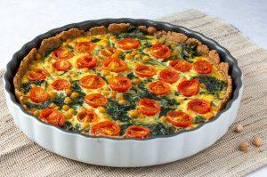 Vollkorn-Quiche mit Spinat und Tomaten
