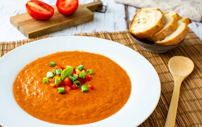Kalte Tomaten-Paprika-Suppe