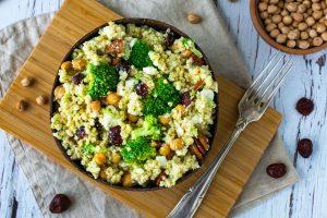Hirse-Salat mit Brokkoli gesund