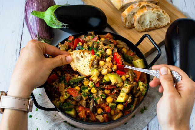 Auberginen-Kichererbsen-Pfanne gesund vegan glutenfrei
