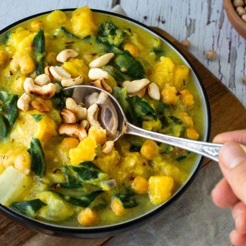 Butternut-Kürbis-Curry Mangold Kichererbsen gesund