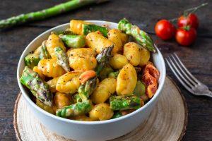 Gnocchi-Pfanne grüner Spargel schnell gesund Rezept