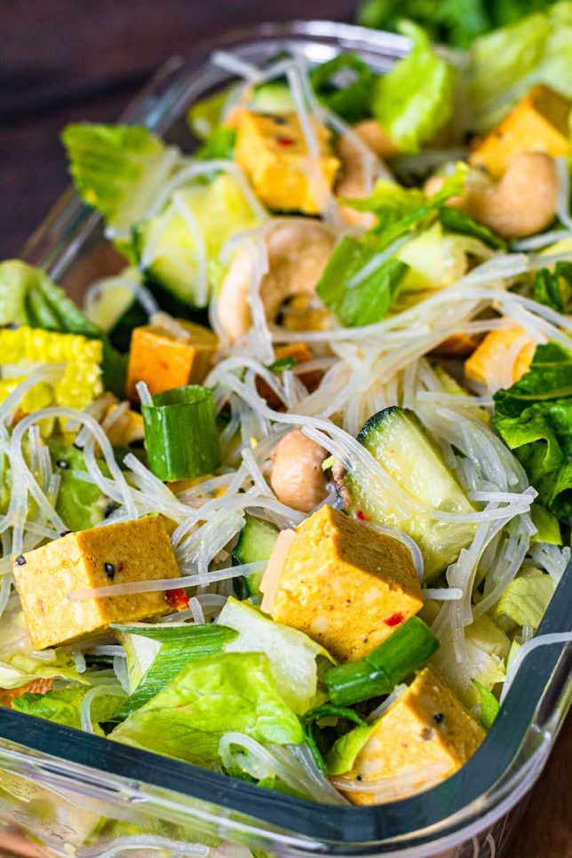 Glasnudelsalat mit Avocado Rezept gesund vegan glutenfrei