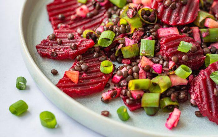 Rote Bete-Belugalinsen-Salat mit Apfel Rezept gesund vegan